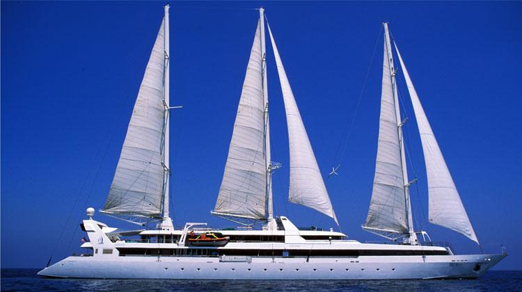 Le-Ponant-under-sail