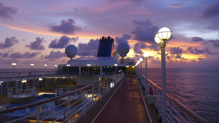 Sunset-on-Fathom-Adonia-Cruising-to-Cuba