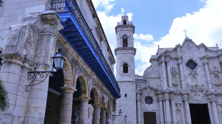 Havana-Architecture-Cruising-to-Cuba