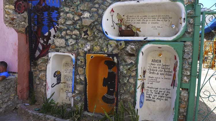 Bathtub Art Callejon de Hamel Havana
