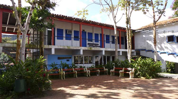 Biblioteca Las Terrazas Cuba